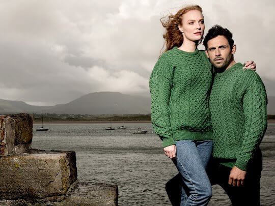 4 REASONS WHY KNIT SWEATERS ARE A TRAVELLER'S BEST FRIEND